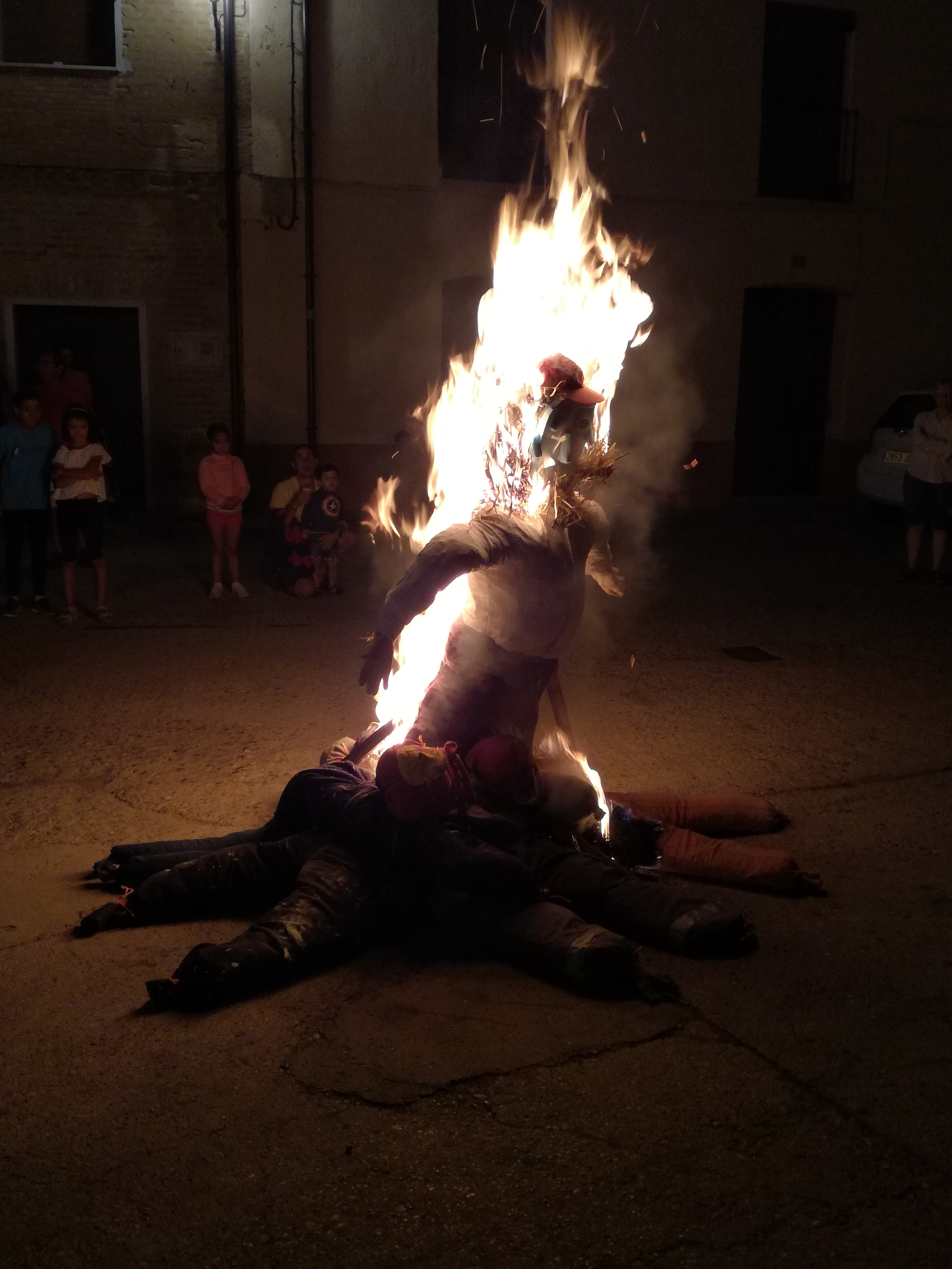 Hoguera muñecos San Roque verano 2017